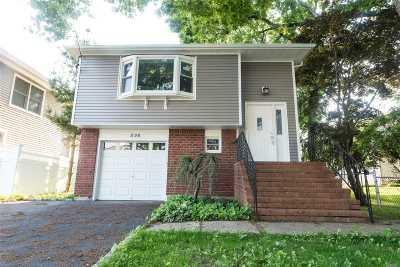 Massapequa Park Single Family Home For Sale: 1126 Park Blvd