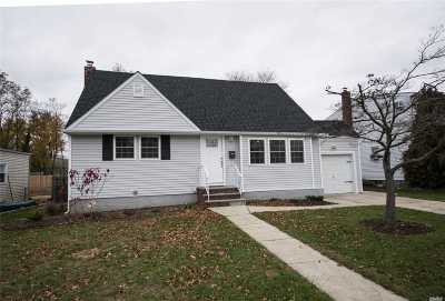 Levittown Single Family Home For Sale: 168 Noell