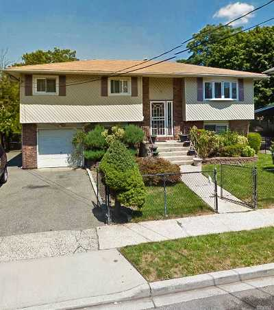 Hempstead Single Family Home For Sale: 35 Peters Ave