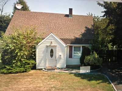 Levittown Single Family Home For Sale: 459 Gardiners Ave