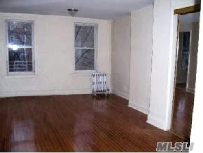 Brooklyn Multi Family Home For Sale: 662 Nostrand Ave