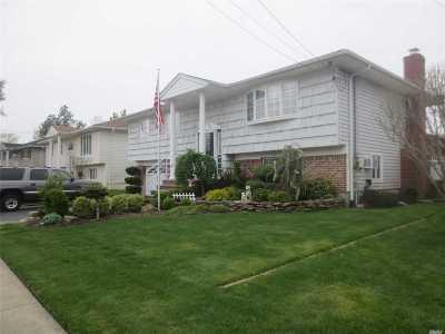 Oceanside Single Family Home For Sale: 3278 Shore Rd