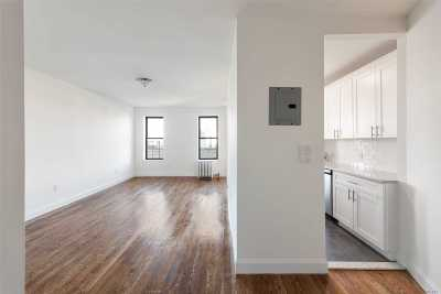 Woodside Condo/Townhouse For Sale: 61-05 39th Ave #5E