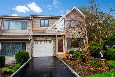 Northport Condo/Townhouse For Sale: 92 Lisa Dr