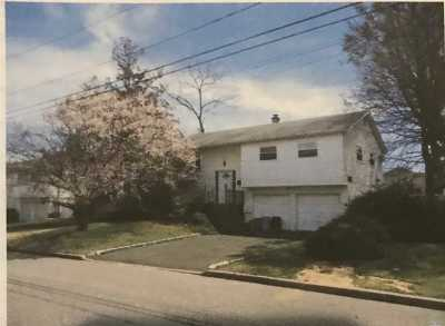 Islip Single Family Home For Sale: 326 E Garden City St