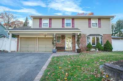 Smithtown Single Family Home For Sale: 8 Amherst Ln