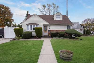 N. Bellmore Single Family Home For Sale: 2667 Cedar Ln