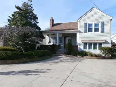 Point Lookout Single Family Home For Sale: 11 Lynbrook Ave