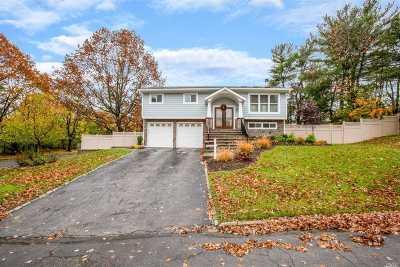Nassau County Single Family Home For Sale: 22 Eldridge Pl