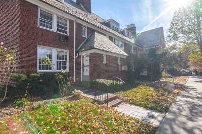 Jackson Heights Single Family Home For Sale: 34-17 87th St