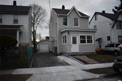 Nassau County Single Family Home For Sale: 56 Harvard St