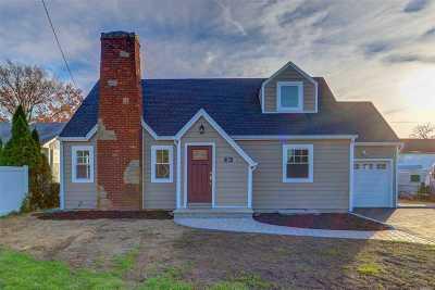 Nassau County Single Family Home For Sale: 26 Wheeler Ave