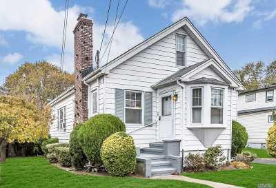Nassau County Single Family Home For Sale: 80 Fir St