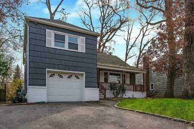 Nassau County Single Family Home For Sale: 56 Broadway St