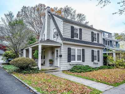 Nassau County Single Family Home For Sale: 93 Park Ave