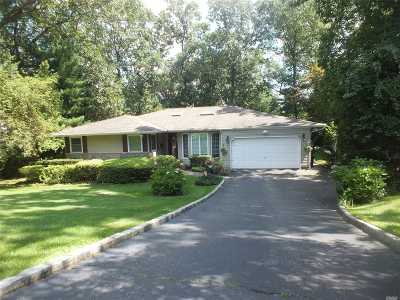 Nassau County Single Family Home For Sale: 43 Ridge Dr