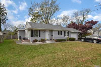 Patchogue Single Family Home For Sale: 40 Lee Ave