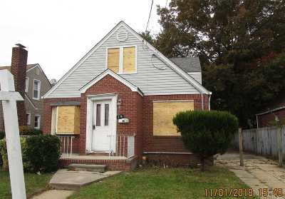 Nassau County Single Family Home For Sale: 19 Brown Ave