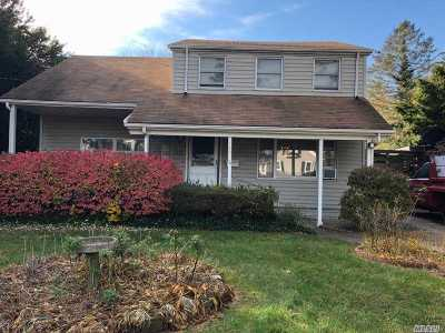Sayville Single Family Home For Sale: 34 Cleveland Ave