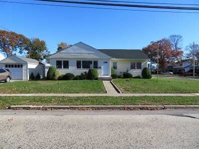 Nassau County Single Family Home For Sale: 2111 Jackson Ave