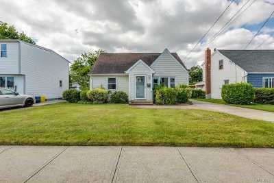 Nassau County Single Family Home For Sale: 65 Nassau Ave