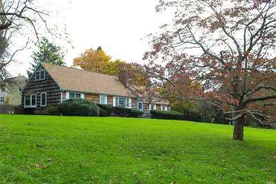 Stony Brook Single Family Home For Sale: 27 Acorn Ln