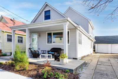 Nassau County Single Family Home For Sale: 96 Coronado St
