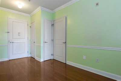 Nassau County Condo/Townhouse For Sale: 130 Post Ave