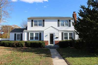 Bayport Single Family Home For Sale: 499 Gillette Ave