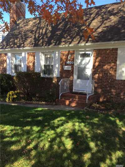 Franklin Square Single Family Home For Sale: 1020 Propp Ave