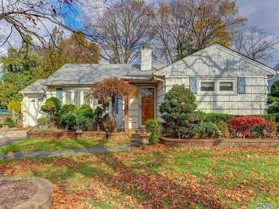 Merrick Single Family Home For Sale: 1497 Jerusalem Ave