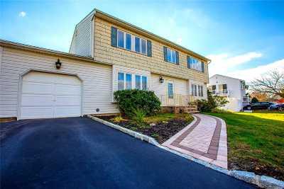 Medford Single Family Home For Sale: 150 Tarpon Ave