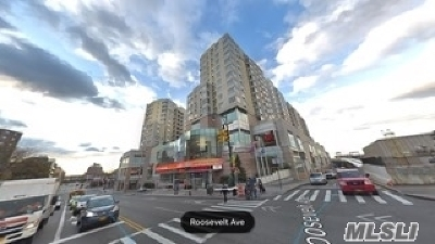 Flushing Condo/Townhouse For Sale: 40-28 College Point Blvd #1601
