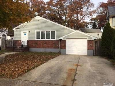 Valley Stream Single Family Home For Sale: 35 Forest Ave