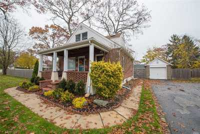 Ronkonkoma Single Family Home For Sale: 151 W 3rd St