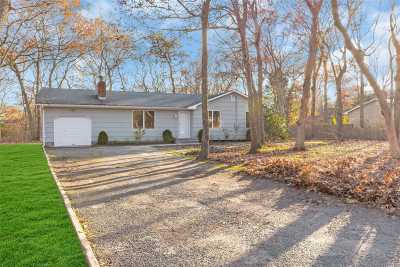 Hampton Bays Single Family Home For Sale: 51 Ocean Ave