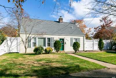 Massapequa Single Family Home For Sale: 548 Riverside Ave
