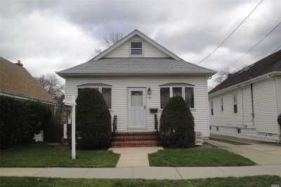 Franklin Square Single Family Home For Sale: 86 Lexington Ave