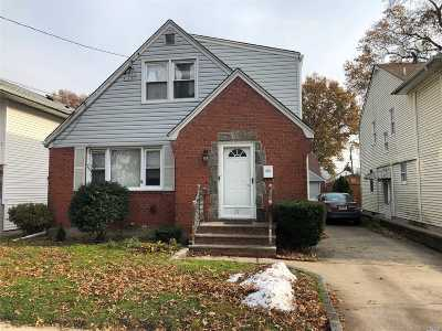 Floral Park Single Family Home For Sale: 27 Emerson Ave