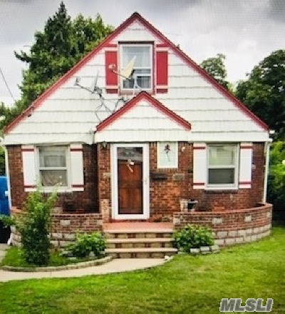 Valley Stream Single Family Home For Sale: 9 Charles St