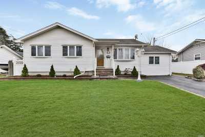 Massapequa Single Family Home For Sale: 214 N Maple St