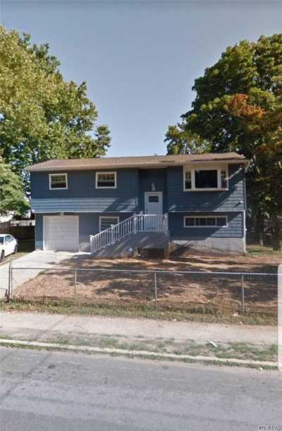 Central Islip  Single Family Home For Sale: 102 Half Mile Rd