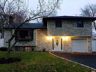 E. Northport Single Family Home For Sale: 23 Meadow Haven Ln
