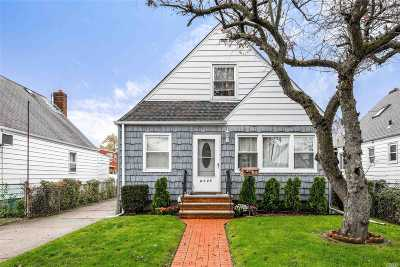 Floral Park Single Family Home For Sale: 81-24 267th St