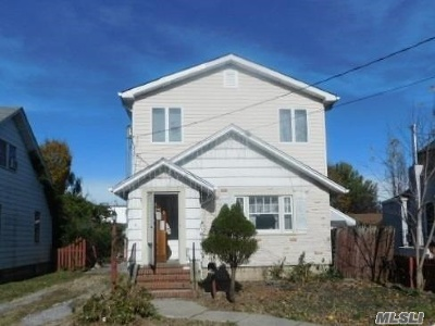 Baldwin NY Single Family Home For Sale: $285,000