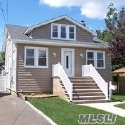 Single Family Home For Sale: 2 West Blvd