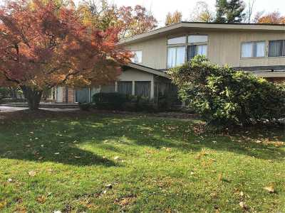 Great Neck Single Family Home For Sale: 17 Deer Park Rd