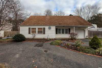 Medford Single Family Home For Sale: 7 Blackpine Dr
