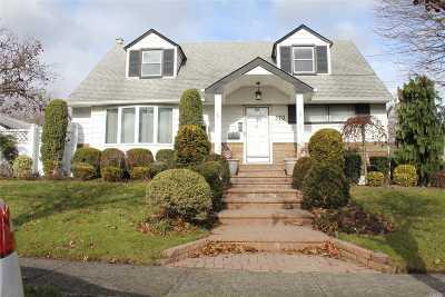 W. Hempstead Single Family Home For Sale: 570 Washington St