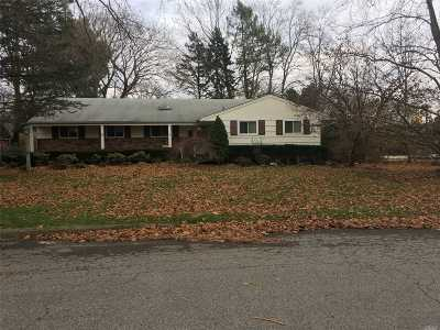 Greenlawn Single Family Home For Sale: 82 Derby Ave